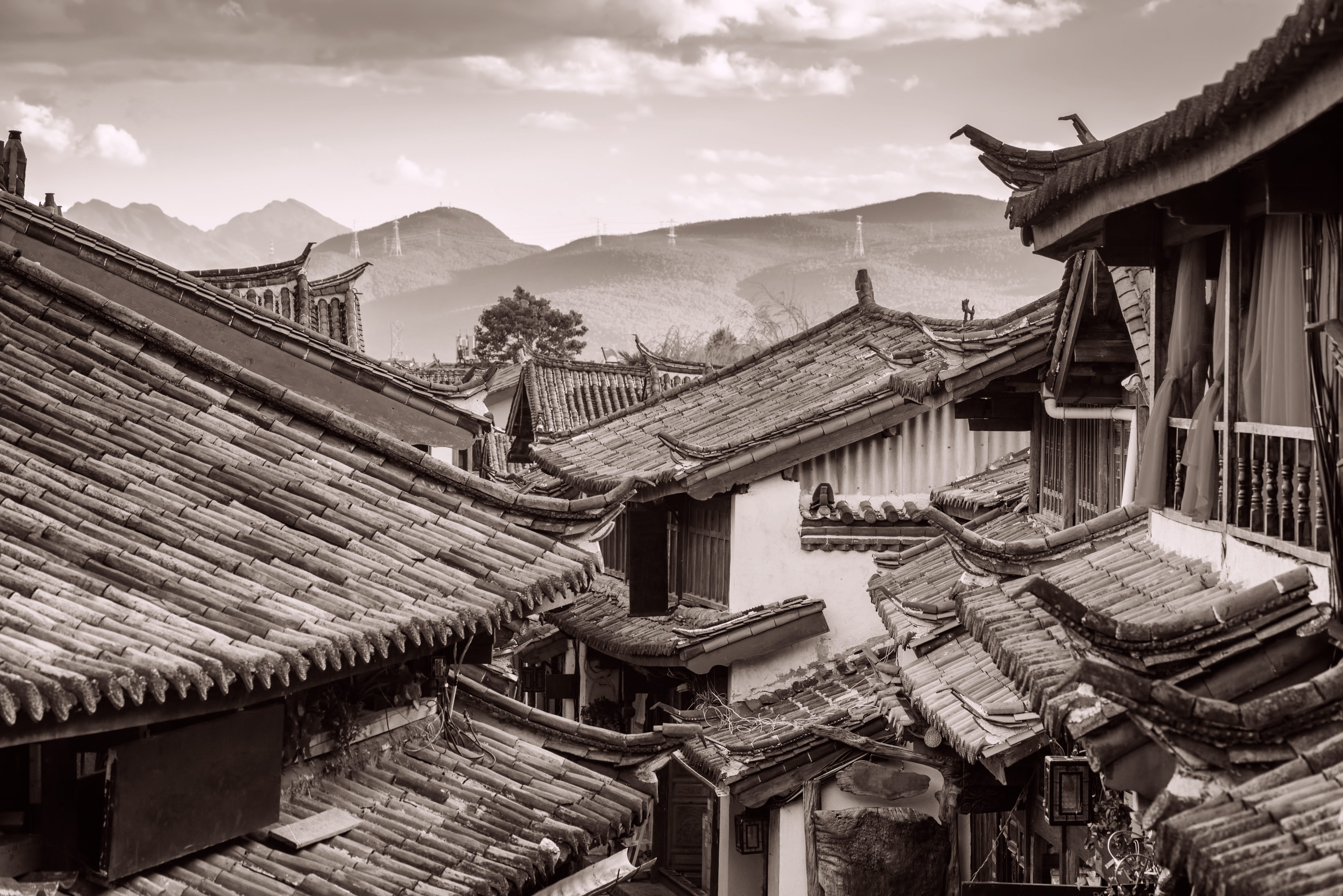 Scenic view of traditional Chinese tile roofs of houses in the Old Town of Lijiang, Yunnan province